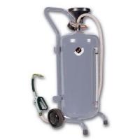 Нагнетатель масла мобильный с пневмоприводом 24л. APAC  1910N